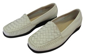 Auditions New Size 8 Ee Leather White Flats