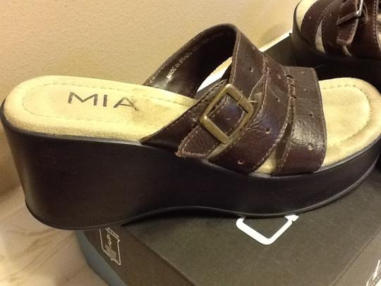 MIA Gold Buckle Sandals Summer Casual Dark Brown Platforms