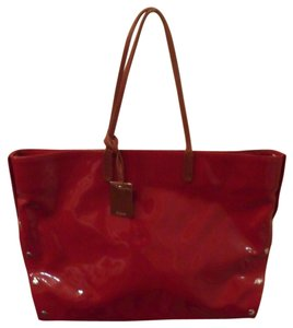 Furla Chari Patent Leather Leather Grande Silver-tone Hardware Dust Included Tote in Red