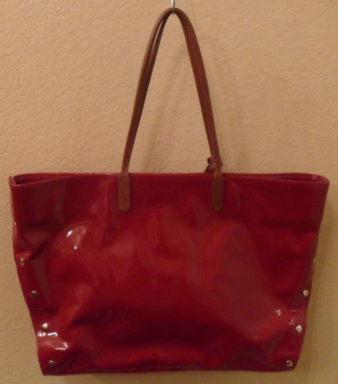Furla Chari Patent Leather Leather Grande Shoulder Silver-tone Hardware Dust Included Tote in Red