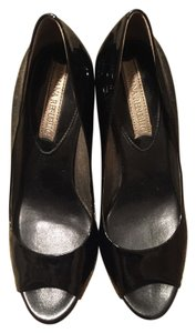 Banana Republic Leather Patent Leather Black Pumps