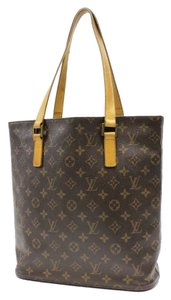 Louis Vuitton Gm Tote in Brown