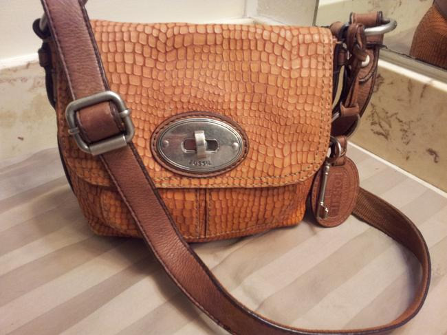Item - Crossbody Pre-owned Vintage Snake Skin Embossed Tan/Orange Leather Shoulder Bag