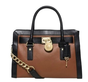 Michael Kors Satchel in Luggage/Black