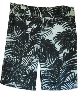 Old Navy Bermuda Shorts Black & White Print