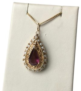 Mendelson Jewelers VINTAGE SOLID 14K GOLD PENDANT WITH CULTURED PEARLS AND AMETHYST STONE