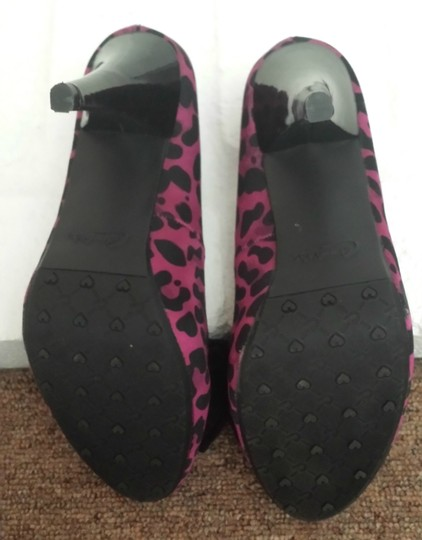 Candie's Pink and black leopard print Pumps