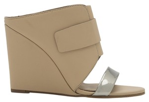 Vince Camuto Size 6.5 Sandals Wedge Heel Beige Wedges
