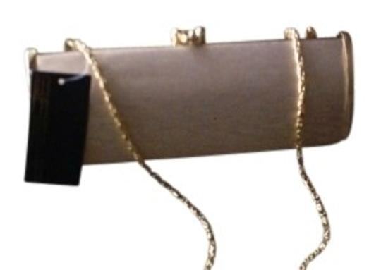 Preload https://item4.tradesy.com/images/sasha-evening-with-arm-chain-in-gold-gold-clutch-135558-0-0.jpg?width=440&height=440