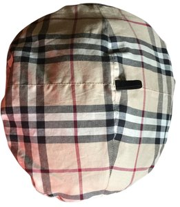 Burberry Reversible beret