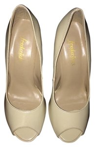 Frederick's of Hollywood Pumps