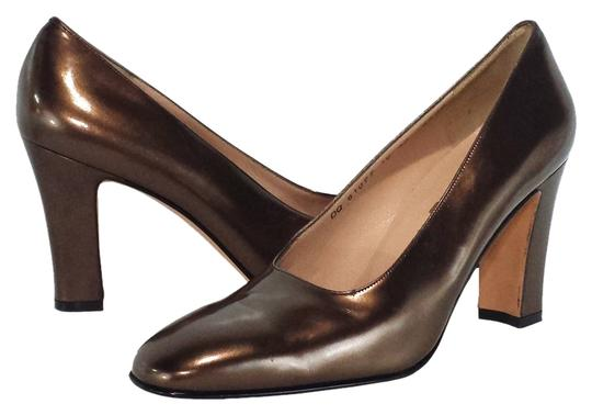 Preload https://item2.tradesy.com/images/salvatore-ferragamo-bronze-patent-leather-pumps-size-us-10-narrow-aa-n-1356281-0-0.jpg?width=440&height=440