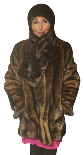 Preload https://img-static.tradesy.com/item/1356364/copper-brown-mink-curations-faux-fur-set-size-4-s-0-0-650-650.jpg