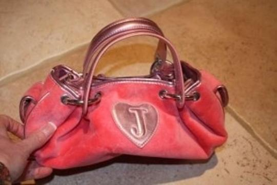 Juicy Couture Satchel in pink!