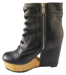 Deena & Ozzy Black with wooden platform Boots
