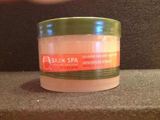Bajik Spa Rice & Sugar Scrub by Bajik Spa - [ Roxanne Anjou Closet ]