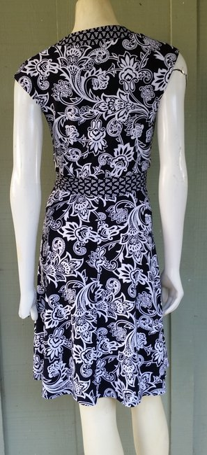 White House | Black Market Damask Pull-on Print Dress