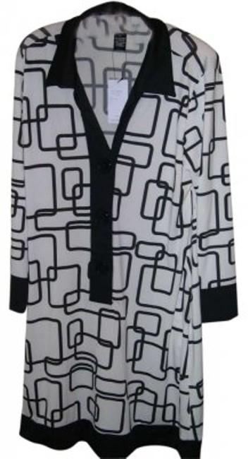 Preload https://item1.tradesy.com/images/bcbgmaxazria-black-and-white-puzzle-dresspolyesterspandex-bc12910d-knee-length-workoffice-dress-size-135735-0-0.jpg?width=400&height=650