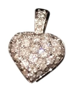 Custom designer diamond heart pendant Diamond heart pendant