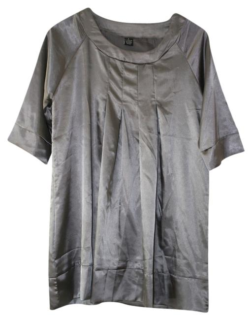 Preload https://item5.tradesy.com/images/silvermetallic-34-sleeve-tunic-size-6-s-1357759-0-0.jpg?width=400&height=650