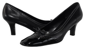 Salvatore Ferragamo Leather Black Pumps