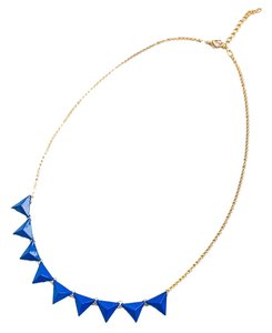 0 Degrees Woman's Necklace With Blue Triangle Decorations!