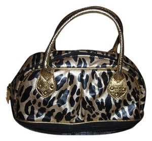 Betsey Johnson Betsyville Satchel in gold / black