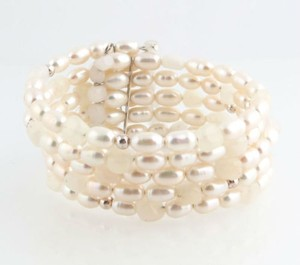 Pearl Quartzite Beaded Bracelet - New With Tag Fashion Jewelry Coil Cream