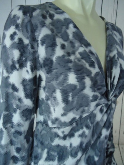 Ann Taylor Shirt Silk Spandex Knot Front Leopard Animal Print Chic Top Shades of Gray Image 5