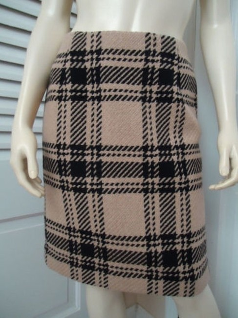 Preload https://img-static.tradesy.com/item/13585711/ann-taylor-loft-petites-skirt-4p-wool-blend-black-tan-plaid-straight-retro-0-0-650-650.jpg