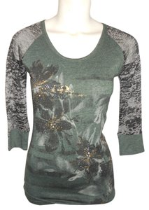 Miss Me Studded T Shirt green, black & grey