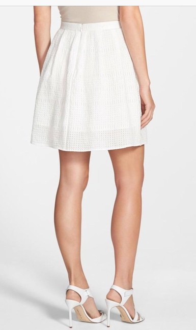Chelsea28 Pockets Lined Perforated Skirt White Star Image 6
