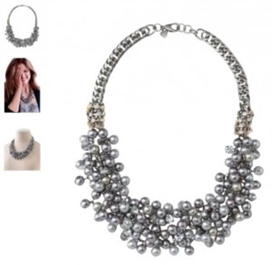 Preload https://img-static.tradesy.com/item/135894/stella-and-dot-isadora-pearl-bib-necklace-0-0-540-540.jpg