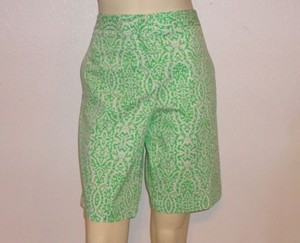 Izod Golf Print Golf Stretch Flat Front Bermuda Shorts Green