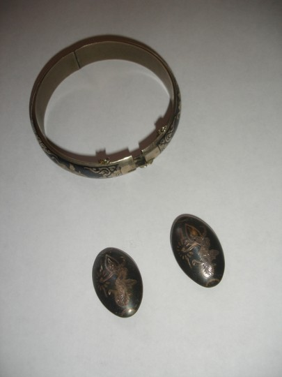Sterling Siam Beautiful NIELLO SIAM Sterling Silver bangle earrings Siam 1940's Image 3