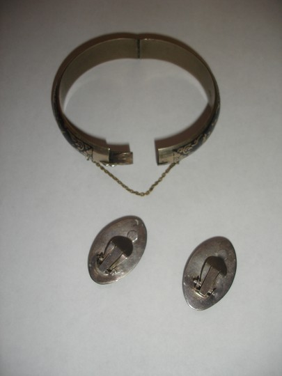 Sterling Siam Beautiful NIELLO SIAM Sterling Silver bangle earrings Siam 1940's Image 5