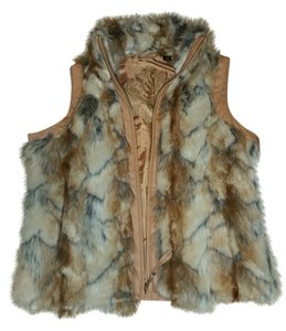 NEW WITH TAGS BIG CHILL FAUX FUR Vest