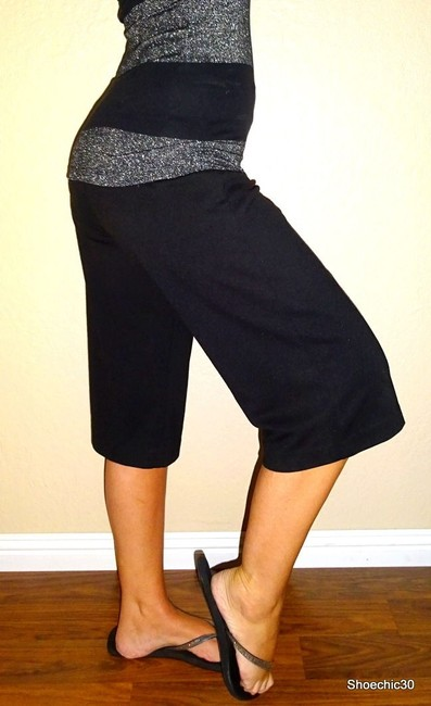 New York & Company Pants Outfit Capris Black Image 1