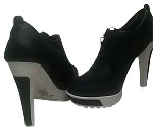 BCBGeneration Sneaker Heels N White Black &White Athletic