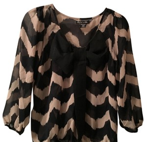 Rachael & Chloe Chevron Bow 3/4 Sleeve Top Cream black