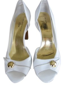 AK Anne Klein White Pumps