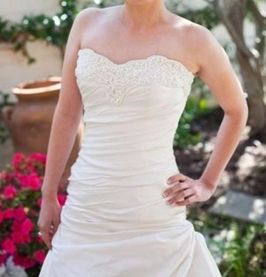 White Taffeta Sabala Formal Wedding Dress Size 4 (S)