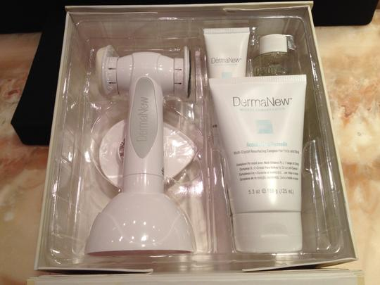 DermaNew MicroDermabrasion System; DermaNew Total Body Experience - [ Roxanne Anjou Closet ]