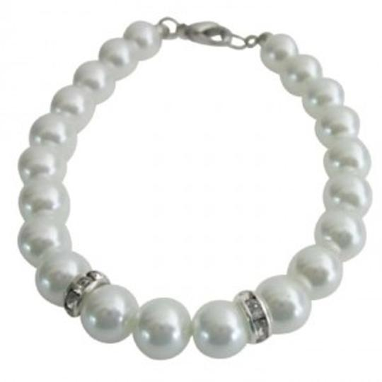 White Latest Unique Design Pearls Gift Bracelet