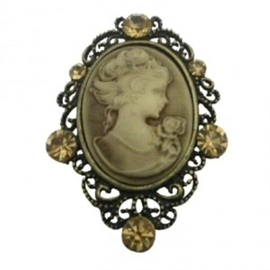 Preload https://img-static.tradesy.com/item/136091/brown-cameo-pendant-brooch-pin-exquisite-vintage-lite-smoked-topaz-crytals-jewelry-set-0-0-540-540.jpg