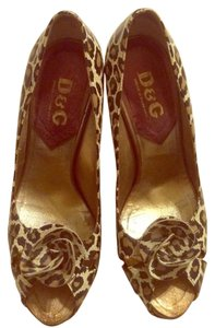 Dolce&Gabbana Beige, Brown and tan Pumps