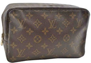Louis Vuitton Authentic Louis Vuitton Monogram Trousse Toilette 23 Clutch Bag M47524
