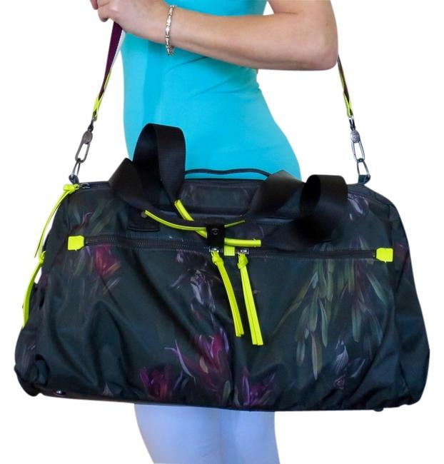 Item - Working Out Duffel Multi-color Nylon Weekend/Travel Bag