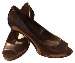 Bandolino Chocolate brown/bronze tint Pumps