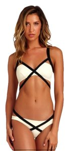 Vitamin A Vitamin A Swimwear Opposites Attract Olivia Bralette size 6 & Hipster size 4